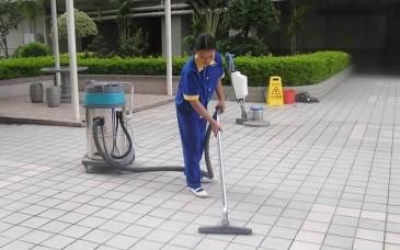 广场保洁案例